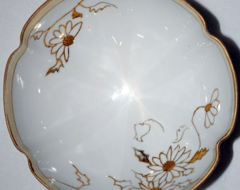 Hand-painted Nippon Three-footed Bowl