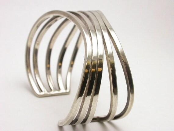 Solid sterling silver cuff bracelet great Modern style