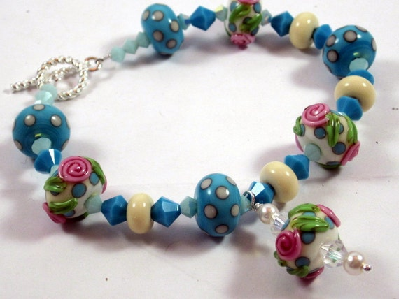 Blue and White Polkadots Beaded Bracelet, Floral Lampwork Bracelet, Beadwork Bracelet, Beaded Jewelry, Women's Jewelry, Gifts for Her