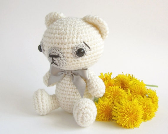 SALE -50% - Plush teddy bear - Crocheted soft toy - Stuffed toy - Baby toy - Baby shower gift - Amigurumi animal - White