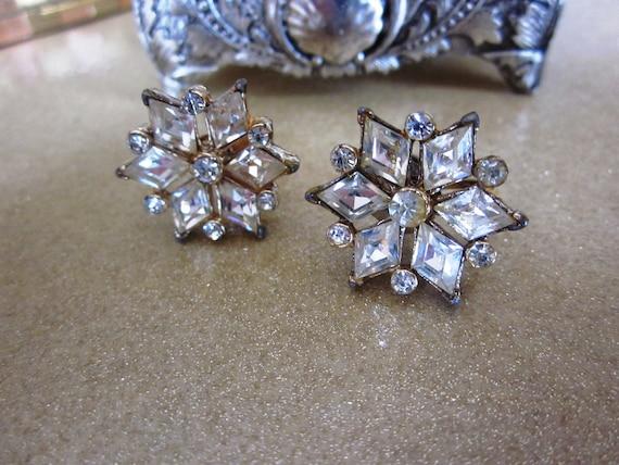 SALE Vintage Designer Coro Diamond Cut Rhinestone Flower Earrings in Gold Tone, Bridal Earrings, Wedding, Bridesmaid, Mother of Bride
