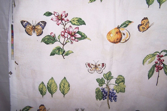 FREE S & H Beautiful Kingsway Cottage Notebook Design Fabric Butterflies Figs Flowers Berries Old Ivory Look Ground 56 x 100 inches