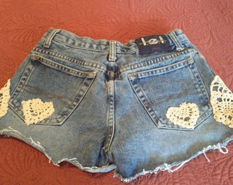 lei Womens/Junior Distressed Jean Shorts Hand Trimmed in Crocheted Lace Size 9