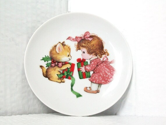 Vintage Avon Plate Christmas Decoration Collectable Girl and Kitten Cute Kitsch