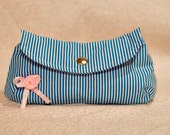 Strippy round cosmetic bag