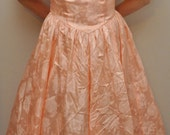 Vintage PRINCESS PEACH Dress with crinoline included