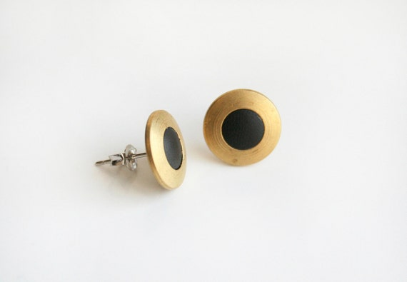 Circle with clear black stud earring