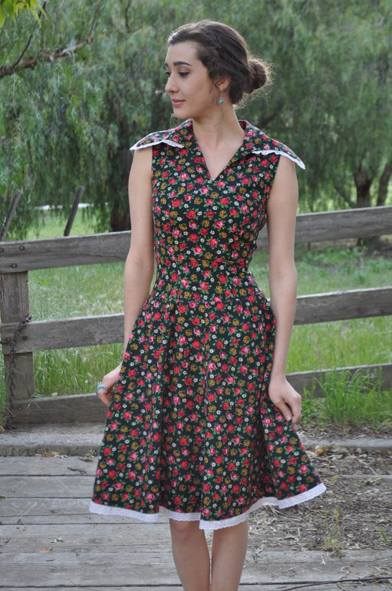 Vintage 50s/60s/70s XS Black and Red Floral Summer Dress