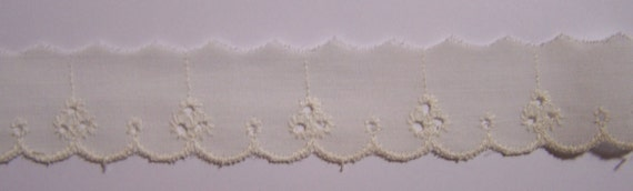 """2 Yards Vintage Embroidery Off-white Cotton Eyelet Trim 1"""""""