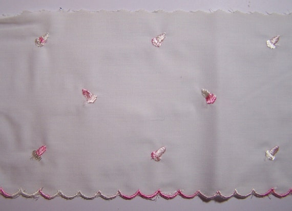 """1 Yard Vintage Embroidery White and Pink Cotton Scallop Trim 5"""""""