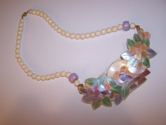 Retro Necklace, Ready for the Beach or Pool, Made of shells I think, Love Birds