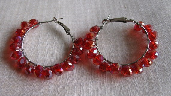 Hoops Earrings Red faceted crystal woven with metal wire