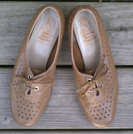 Vintage shoes - Hush Puppies lace-up granny heels with cutouts - US 8.5