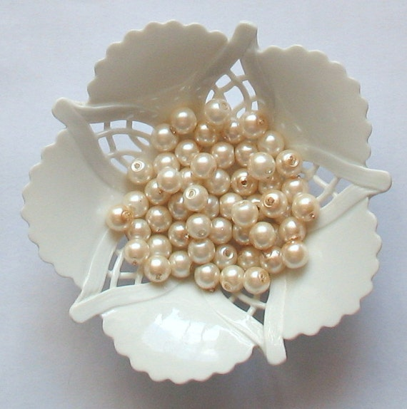 ACCENT 6mm (30 pcs) pearl-shell Beads beige-white