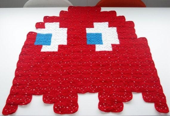 Pac-Man Red Ghost 8-bit Crochet Blanket