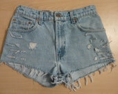 LEVI'S 550 High Waisted Cut off Jean Shorts HOTPANTS Studded Distressed sz 7 Light Wash