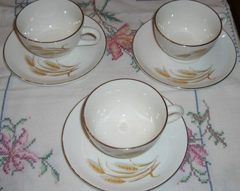 Homer Laughlin for Duz Detergent - Set of 4 Golden Wheat Pattern - Cups and Saucers 22 kt gold Mid Century Rhythm Shape (2 sets available)
