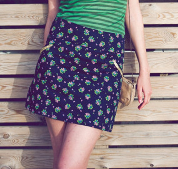 SALE - 20% off - The Mini - short sassy mini in a floral navy cotton with gold pocket trim