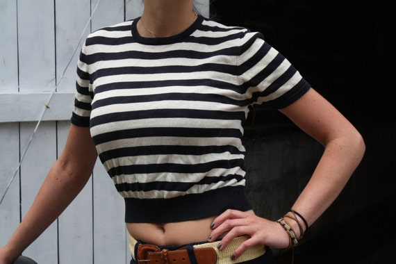 Cropped 1980s Black and White Stripped Retro Short Sleeve Sweater Silk / Kasper