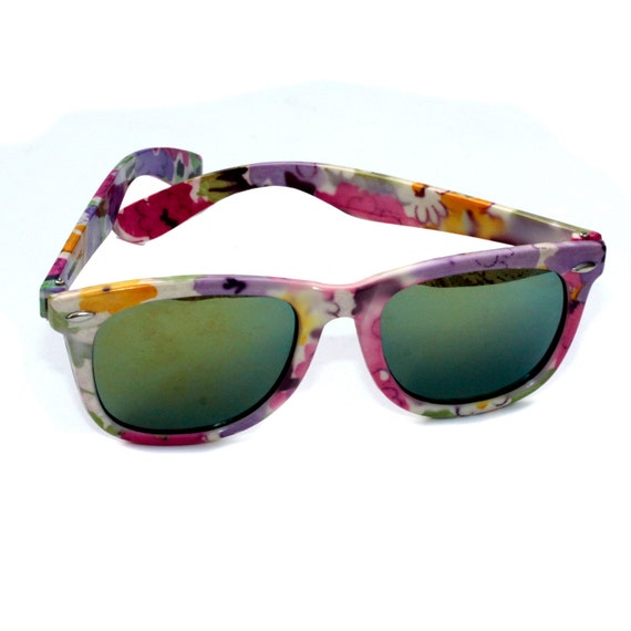 SOLD - Vintage 80s sunglasses, mirrored lenses with floral pattern