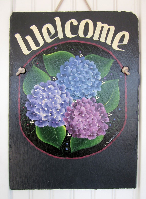 Handpainted Personalized Hydrangea Flower Slate Welcome Sign