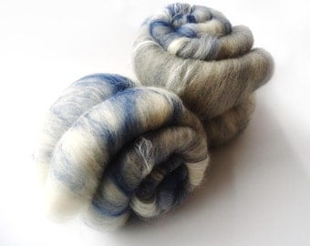 Grey blue white batt - merino wool - tussah silk -  100g - 3.5oz - SEAGULL