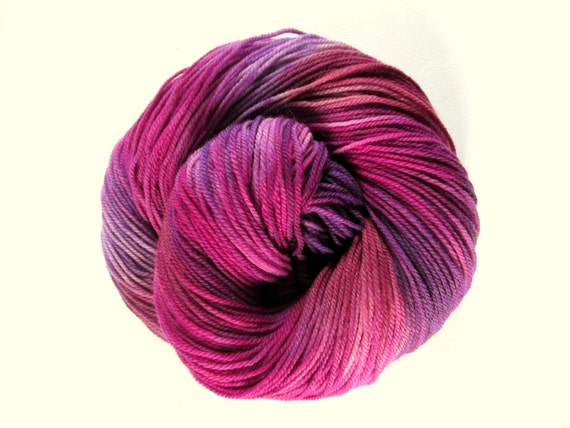Superwash sock yarn - hand dyed - ultrafine merino, cashmere and nylon - 350 meters 'PLUM PUDDING'