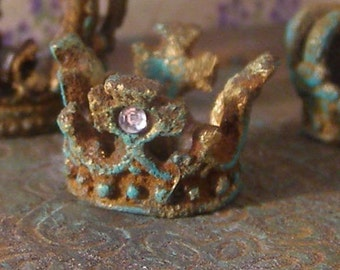 Flat rusty crown with crosses, Dollhouse miniatures, scale 1:12