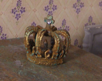 Large rusty crown with cross, Dollhouse miniature, scale 1:12