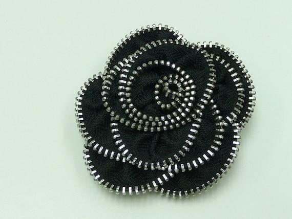 zipper flower brooch, zipper pin, recycle jewelry, zipper jewelry