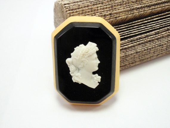 Laminated Bakelite Cameo Pin Bold Colors - 1930s to 1940s