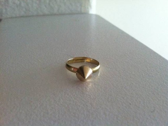 Small Gold Spike Ring