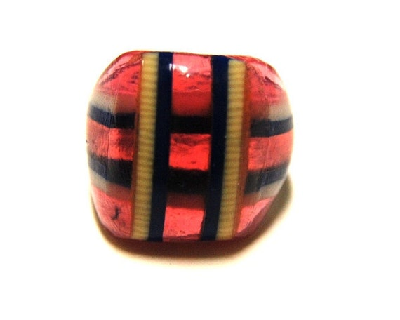 Vintage Celluloid Bakelite Folk Art Prison Ring (Size 7-1/2)