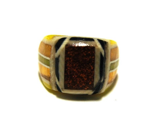 Vintage Celluloid Bakelite Folk Art Prison Ring (Size 6-1/2)