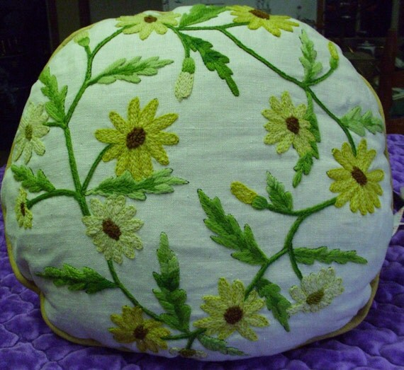 15 x14 Lovely Floral Print (black eyed susan's) Homemade Floral Crewel Work Pillow Daisy
