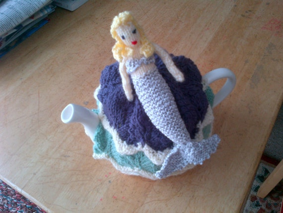 Mermaid Tea Cosy. Hand Knitted.