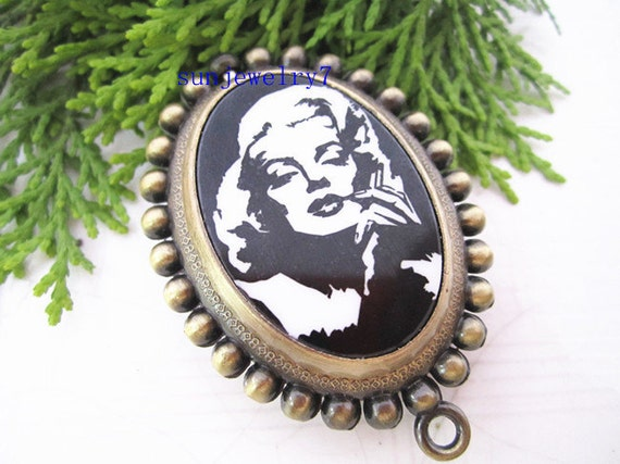 1pcs 36MMx46MM   Marilyn Monroe Oval Pocket Watch Charms Pendant    MS08