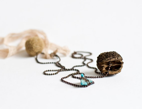 Chain pendant with wood and blue stone