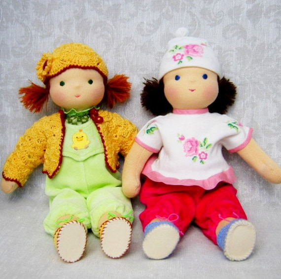 Waldorf Dolls, Margherita and Melissa - to the two sisters,14 inches - for children from 3 years - hugging a doll