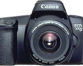 Canon EOS 1000FN 35mm SLR Film Camera and Canon Ultrasonic EF Lens 35-80mm 1:4-5.6 in Pristine Condition