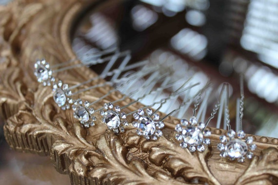 Beautiful bobby pin silver color   with sparkling rhinestones 6 pieces listing