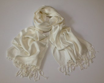 SALE! Ivory Pashmina Feels-like Cashmere Scarf, Wedding Keepsakes, Wedding Favors, Shawls and Wraps, Pashmina Scarf, Keepsake, Ivory Shawl