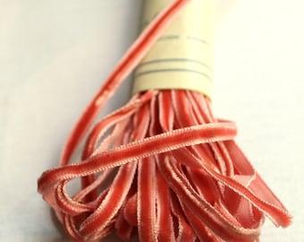 Vintage velvet ribbon /// antique baby rose /// 3 meters /// no.1 /// 0.5 cm /// 7/32 in.