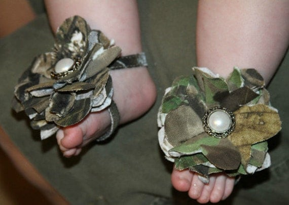 Baby Camo Sandals Shoes AND Matching Camo Hairbow