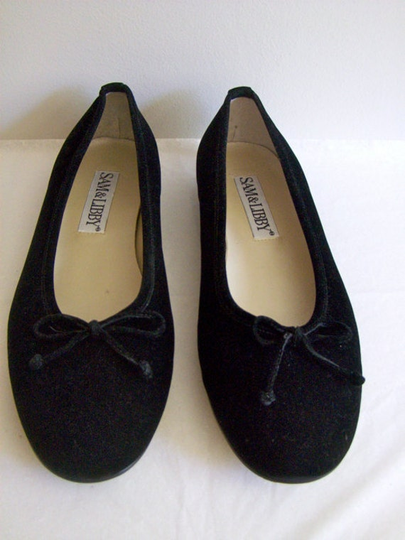 Find black velvet ballet flats at ShopStyle. Shop the latest collection of black velvet ballet flats from the most popular stores - all in one place.