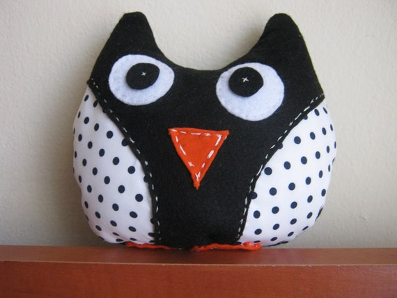 Small Stuffed Owl in Black and White, handsewn.