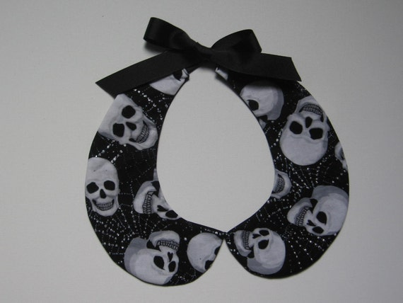 Black and White Skulls Collar (Glow in the Dark) - Reversible...Black on the other side