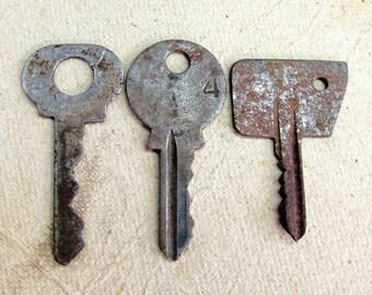 Vintage Rusty Keys - Set of 3 - Steampunk Supplies - VK41