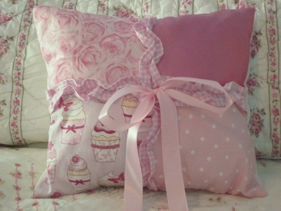 PINK CUPCAKE PILLOW Fabric Throw Decorative Shabby Cottage