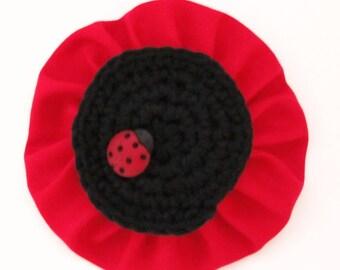 Handmade poppy pin / flower brooch with ladybug